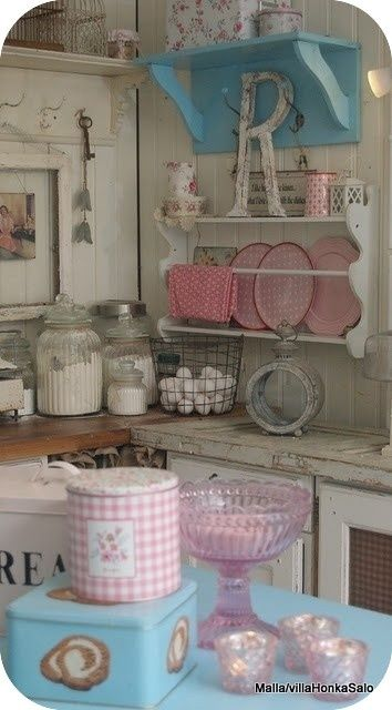 20 Amazing Shabby Chic Kitchens - Exterior and Interior design ideas