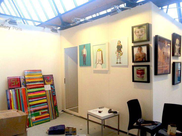 la @Kris SW Gallery s'active : elle perce, pose pour vous recevoir comme des Rois/ Reines au Stand de Maastricht !!!