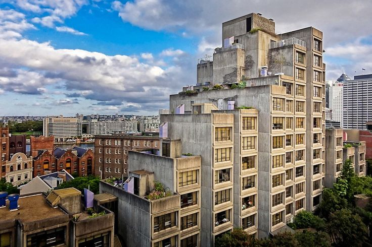 The Heritage Council of New South Wales has unanimously decided to recommend that the Sirius Building in Sydney's The Rocks for state heritage listing.