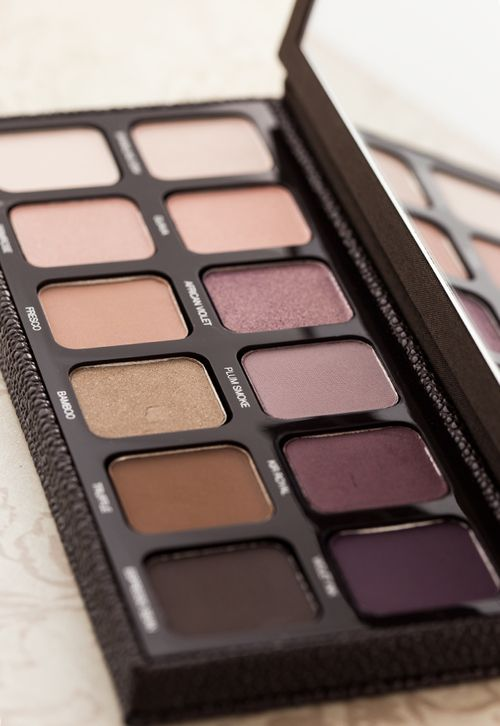 Get holiday beauty ready with an eyeshadow palette.