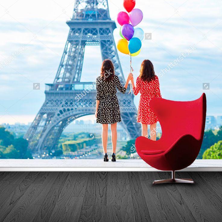 Fotobehang Een dag in Parijs | Maak het jezelf eenvoudig en bestel fotobehang voorzien van een lijmlaag bij YouPri om zo gemakkelijk jouw woonruimte een nieuwe stijl te geven. Voor het behangen heb je alleen water nodig!   #behang #fotobehang #print #opdruk #afbeelding #diy #behangen #parijs #frankrijk #frans #eiffeltoren #europa #dames #vrouwen #ballon #ballonnen