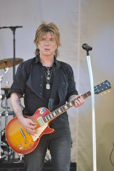 John Rzeznik Photos Photos - Goo Goo Dolls Inducted Into Guitar Center's RockWalk - Zimbio