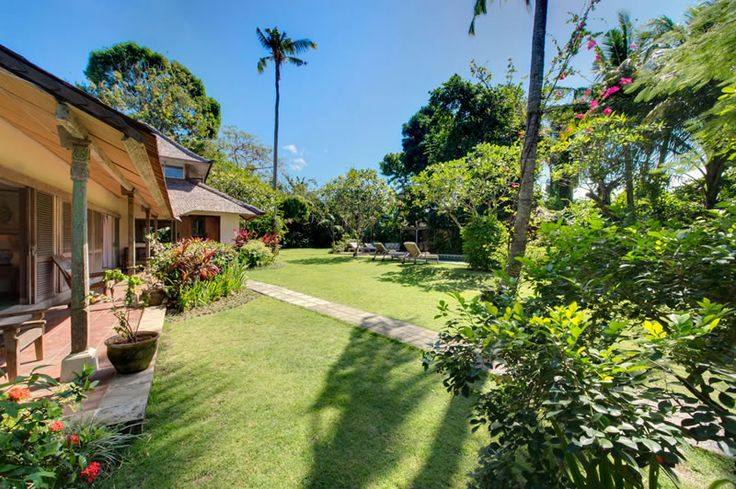 Page 4 « Photo gallery | The Orchard House – Seminyak 4 bedroom luxury villa, Bali - Orchard House - view from entrance