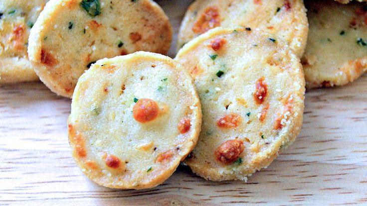 Come preparare Biscotti salati alla robiola col Bimby della Vorwerk, impara a preparare deliziosi piatti con le nostre ricette bimby
