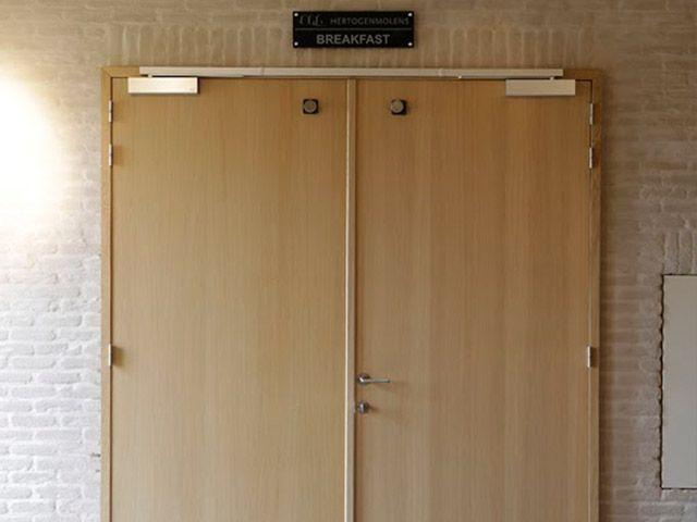 14 best Portes avec vitrage images on Pinterest Glass, Doors and - guide porte coulissante placard