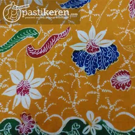 Traditional Handmade Batik cloth from East Java http://pastikeren.com/batik-tulis-bt-80kk/