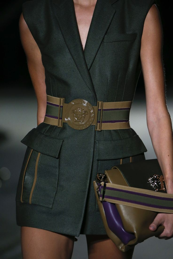 This shade of green is everything ----------------------- Versace, Spring 2016 RTW - Details (September, Milan)