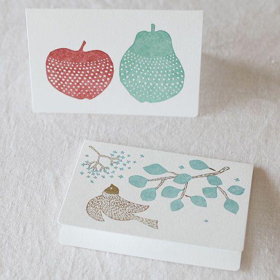 点と線模様制作所 レタープレスの二つ折りカード 大 2種セット(メッセージバード+林檎と洋梨) - 鳥モチーフ雑貨・鳥グッズのセレクトショップ:鳥水木