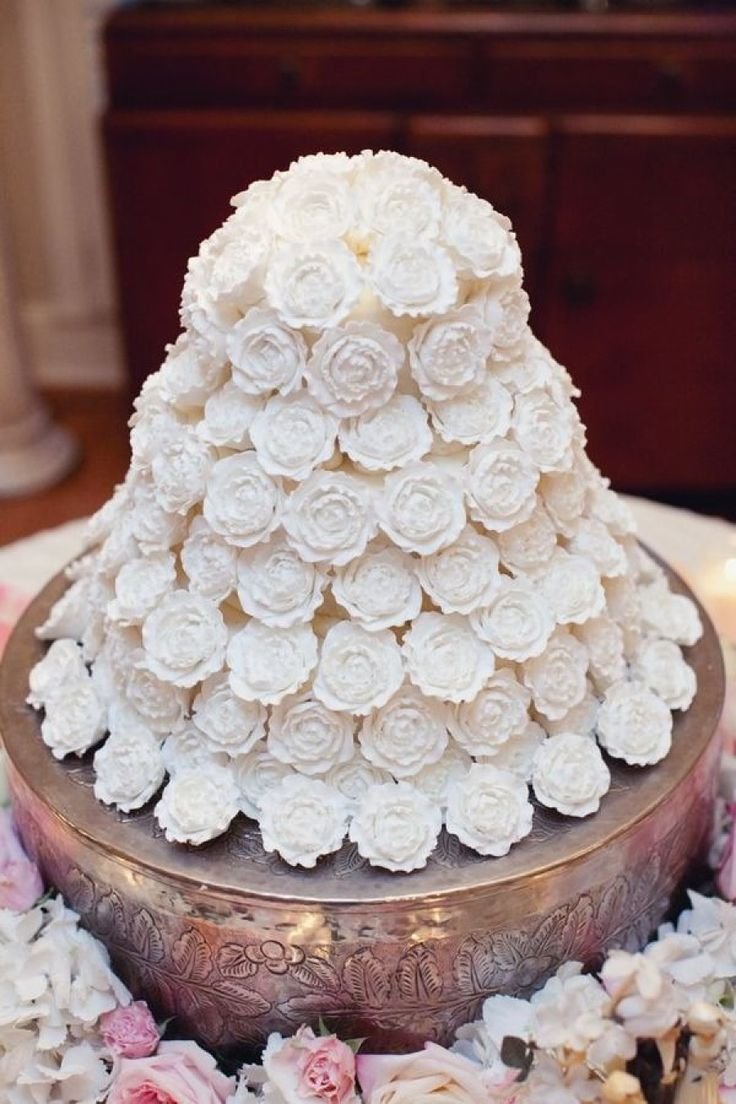 208 best Decorative Cakes :) images on Pinterest | Decorating cakes ...