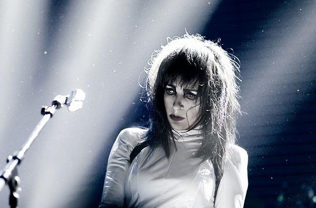 Сьюзи Сью вернулась с новым синглом «Love Crime» в сериале «Ганнибал»