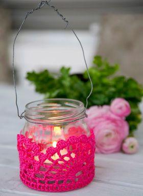 Hækleopskrift, hækling, hækl fint hylster til syltetøjsglas--Jar hanging light- crochet cover-maybe make party colors