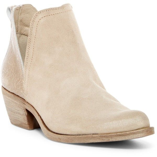 Khrio Pointed Toe Bootie (175 AUD) ❤ liked on Polyvore featuring shoes, boots, ankle booties, slip on ankle boots, slip on boots, bootie boots, pointy toe bootie and metallic bootie