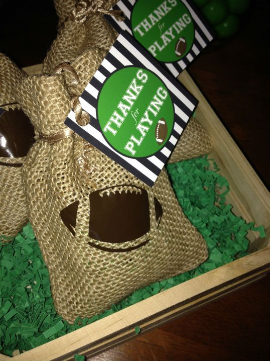 Football party favor bags -burlap Birthday Party Ideas - Blog - FOOTBALL BIRTHDAY PARTY IDEAS- GAMEDAY