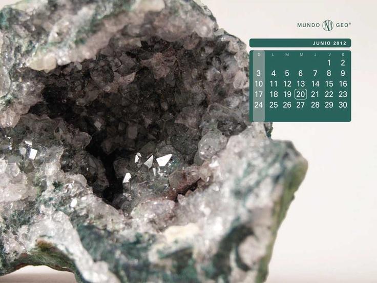 Mes junio: Geoda con cristales de cuarzo