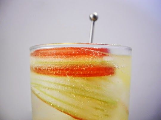 Gastronomista: Rhubarb Lillet Spritz