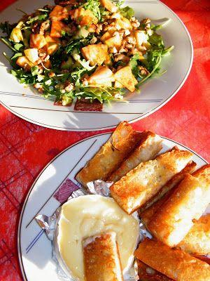 PaniKa w kuchni: Zapiekany camembert z grzankami, sałatą z rukoli i...