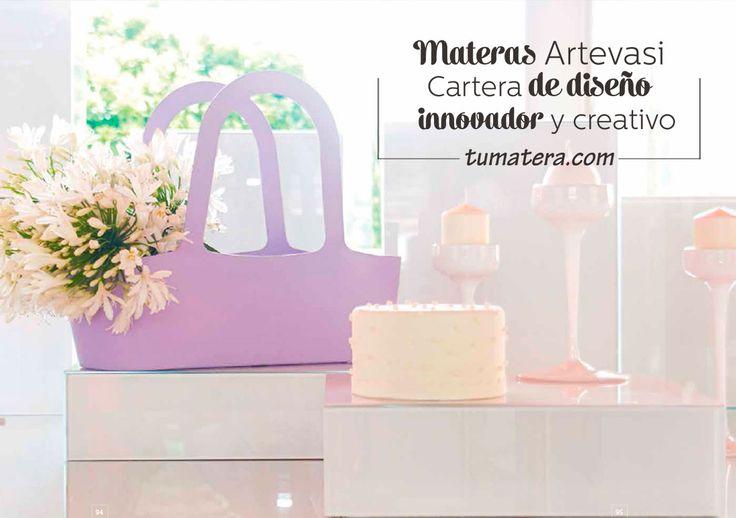 Con capacidad para tres materas de 14 cm. Su forma permite una amplia variedad de usos y funciones. Encuentralas en: http://www.tumatera.co/products/mpa-431634-cartera-jasmine-02/