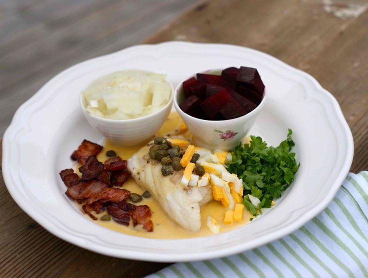 Den er lett å lage, smaker himmelsk og kan godt serveres både til hverdags og til fest.