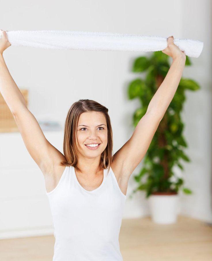 Wil jij je armen trainen? Dat kan met deze 6 beste armoefeningen voor thuis. Jesse doet je alle armoefeningen voor in een video. Hallo, slanke armen!