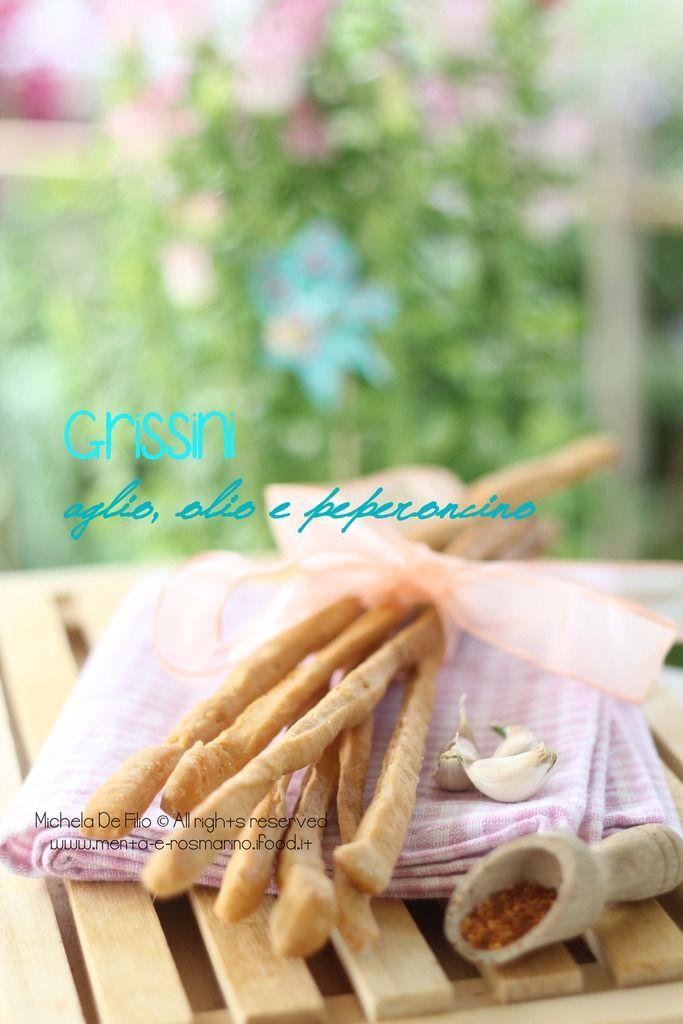 Grissini aglio, olio e peperoncino | Menta e Rosmarino