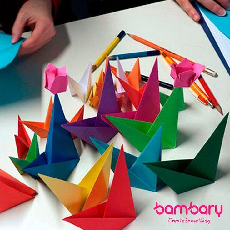 Antes que nada para los que no saben lo que es el #origami tu amiga #bambary te va a dar una pequeña explicación:  El origami es el #arte de origen japonés consistente en el plegado de #papel para obtener #figuras de formas variadas. En español se denomina usualmente papiroflexia aunque su nombre oriental origami también está muy extendido.  En el origami no se utilizan tijeras ni pegamento o grapas tan sólo el papel y las manos. Aún así con sólo algunas #hojas de papel pueden obtenerse…
