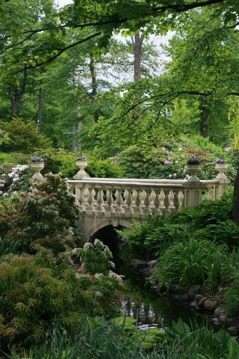 lovely setting for a stone bridge