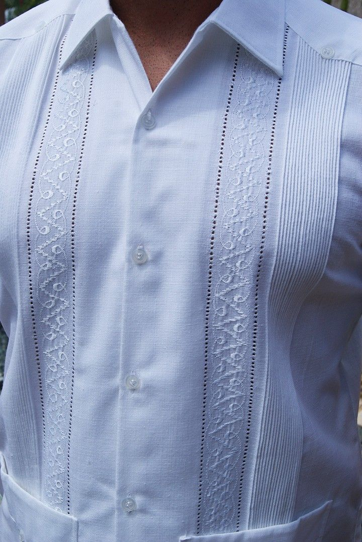 Mens Embroidered Linen italia  Guayabera. - Pleat and embroidery detail on front. Two Pockets. A finest Guayabera for men. Short Sleeve Traditional collar. Cotton & Linen Made in Mexico. Dry clean only.