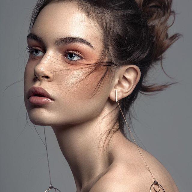#beautyphotography #beauty #closeup #jewelry #bershka #munich #munichphotographer #germany #fashion #fashionportrait #fashionphotography #canon #canon5ds #model #newface #jewelry #makeup   Model: @elena_kosyerina   MUA: @renata.ponjevic   Photography/Retouch: @ninamasic