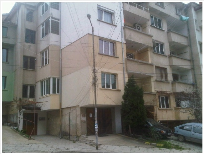 Electricity cables in Blagoevgrad, Bulgaria