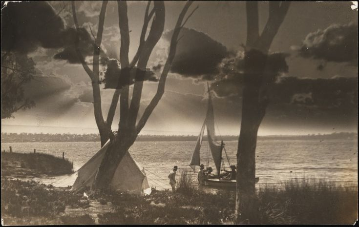 BA1271/81: Camping by the estuary, ca. 1920 somewhere in the South West http://purl.slwa.wa.gov.au/slwa_b2095090_2