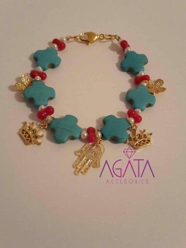 Cruce turquoise bracelet with pearls and coral.