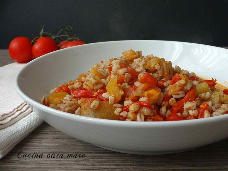 Farro+con+melanzane+peperoni+e+pomodori