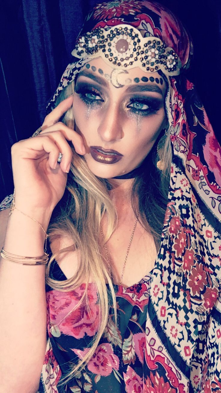 Evil Gypsy fortuneteller follow @corbeautie on Instagram for more Halloween costumes and makeup inspiration!
