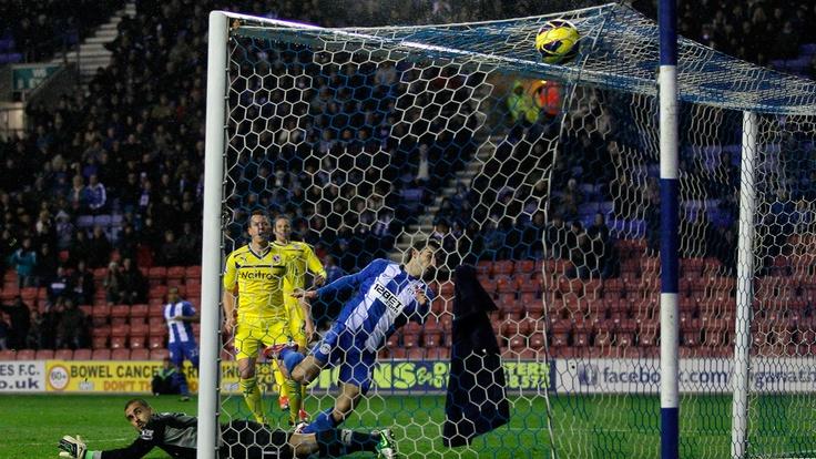Jordi #Gómez (Wigan Athletic FC)  Jordi Gómez (R) of Wigan Athletic FC scores their first goal during the English Premier League match against Reading FC