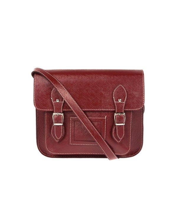 Housebags Tokalı Bordo Postacı Çanta, yılın modası postacı tasarımıyla tercih ediliyor. http://www.mizu.com/housebags-tokali-bordo-postaci-canta