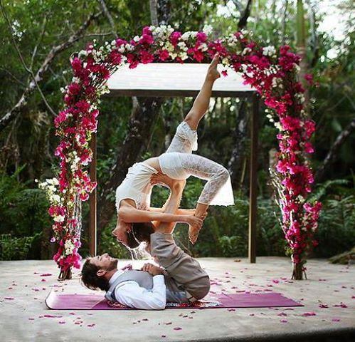 Wedding Yoga.. Awww..  Yogis: Leanne and Aaron Photo by Del Sol Photography