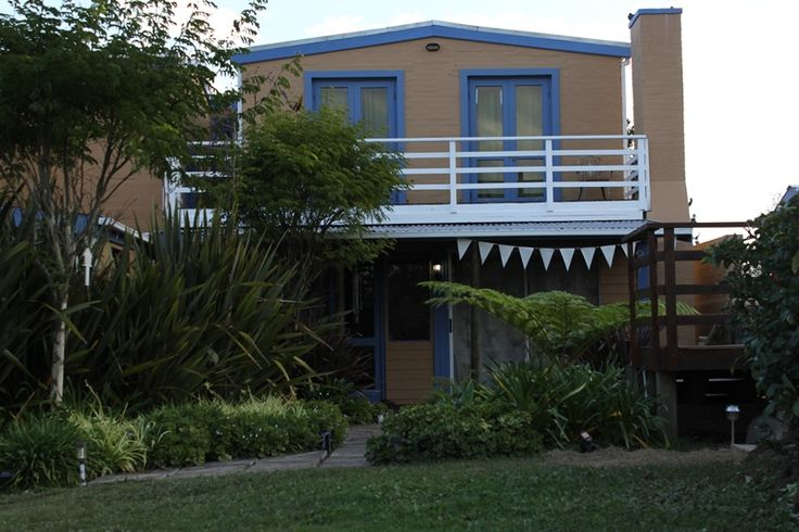 Nieu- Wherry Meadow is a rustic Pet Friendly breakaway on the edge of the famous and beautiful Knysna forest.