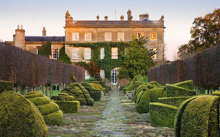 Highgrove House thyme walk