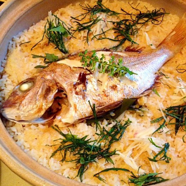 土鍋にちょうどいいサイズの鯛だったので、鯛めしに。島の生姜と自家栽培の大葉で爽やかな風味にできました♪ - 12件のもぐもぐ - 鯛めし♪ by land
