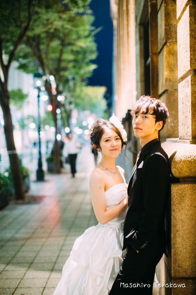 神戸 前撮り 夜の街中でキラキラナイトフォト 結婚式の写真撮影 ウェディング ウェディングフォト ポーズ
