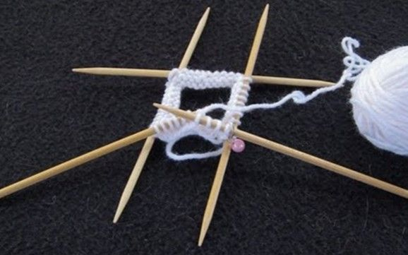Knitting Using Double Pointed Needles [A How To Knitting Tutorial]