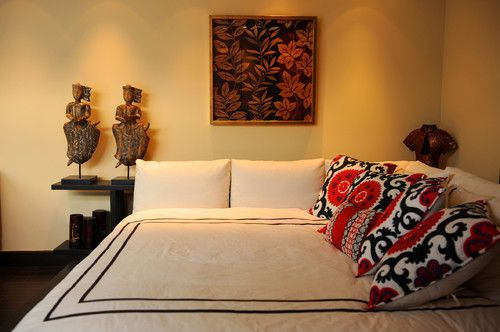 real corner bed, both side have a headboard. add pillows