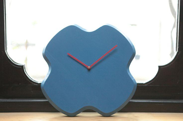 FIORELLO Clock | Solid Oak | Designer: Giordano Caldarini