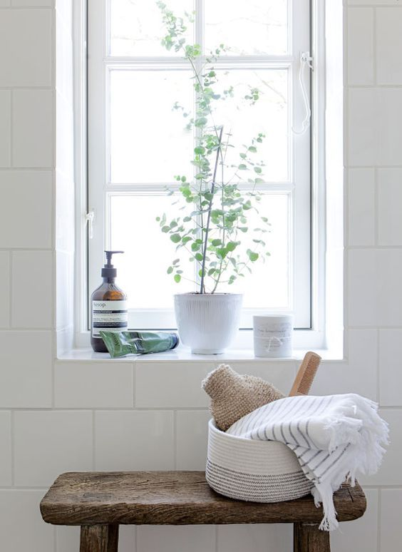 The bathroom, whether shared by the family or an ensuite haven, is often the most overlooked room in the house, but in the midst of  winter – when indulgent pamp