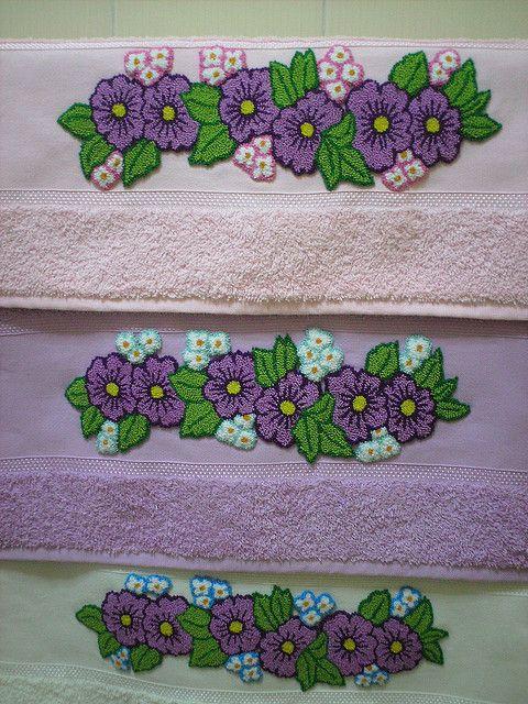 Violetas em Ponto Russo | Flickr – Compartilhamento de fotos!