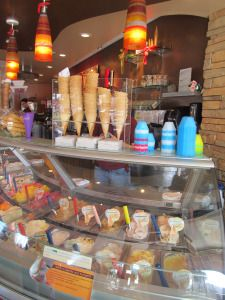We tried our first gelato here, San Gelato Cafe in Destin Florida. Love it. I Has the Pineapple!