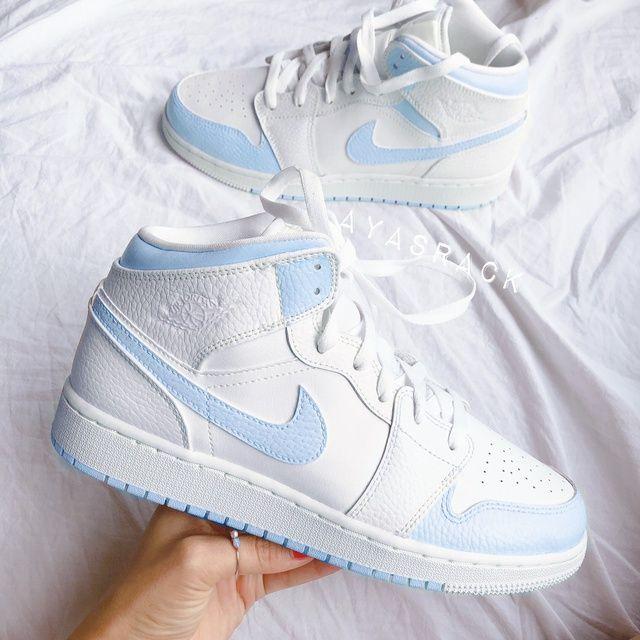 jalea Notable barba  Baby blue nike air jordan 1 mid | THE CUSTOM MOVEMENT | Jordan shoes girls,  Nike air shoes, White nike shoes