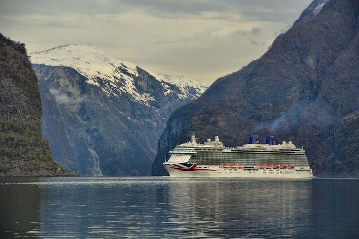 MV Britannia's first visit to Aurland