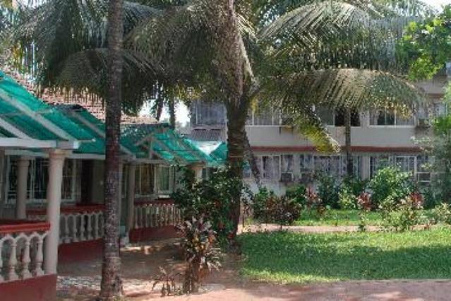 Hotel colmar beach resort goa goibibo offers budget for Hotels colmar