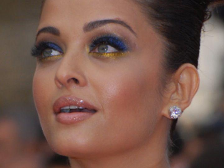 Aishwarya Rai, lleva este maquillaje de L'oreal.  Via: fruticienta.blogspot.com